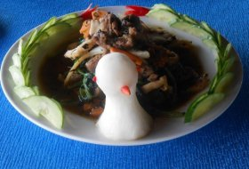 Stir fry Duck with Herbs and Spicy sauce