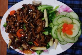 Steam Vegetables with shitake and Mushroom sauce