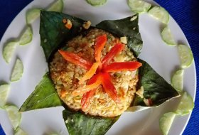 Vietnamese Vegan Fried rice wrap with Lotus leaves