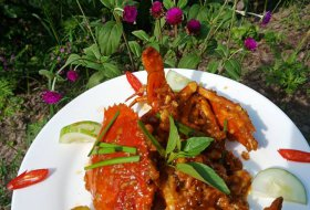 Crispy Crab with sate sauce