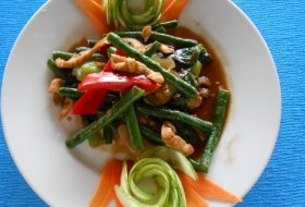 Stir fry Bean with chicken in Oyster Sauce
