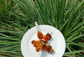 BBQ Fake Meat ,vegetables skewer with sate sauce